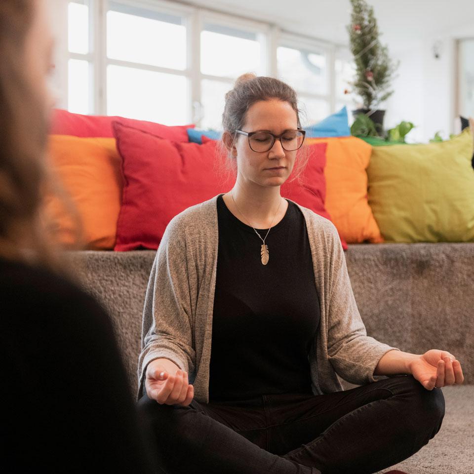 office-meditation3